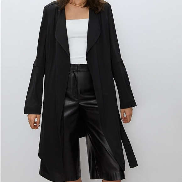 Aritzia Babaton Quincey/ Flowy Trench Coat